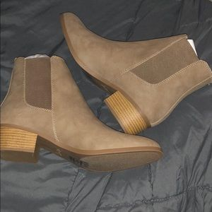 BRAND NEW Tan Booties by Qupid